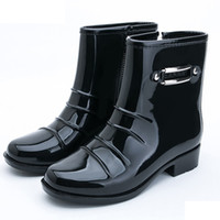 1ae453df2be 2018 NEW TOP botas de chuva mulheres bot preto rainshoes galochas de  borracha chuva bota sapatos de chuva rainboots mulheres botas femininas