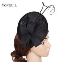 Siyah veya daha renk çekici fascinator devekuşu tüy baz şapka düğün saç aksesuarları kemo partisi Headdress gelinlik için şapkaya saç bandı