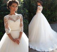Vintage Spitze Ballkleid Brautkleider mit Dreiviertel langen Ärmeln Sheer Ausschnitt Tüll Brautkleider mit Abgedeckte Buttons
