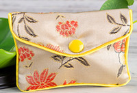 30pcs beige Floral Zipper Coin Purse Pouch fashion Gift Bags for Jewelry Silk Bag Pouch Chinese Credit Card Holder
