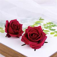 50pcs autunno rosa testa fiori artificiali decorazioni per la casa simulazione realistica fiori di seta per le forniture di nozze Rose Tracery Wall