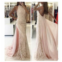 2019 Halter Backless Sexy Lace Appliques Prom Dresses Slim senza maniche Slim Sweep Train Abiti da sera lunghi sexy per feste su misura