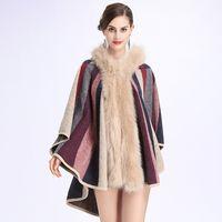 New Autunno Inverno donna Stripe sciolto con cappuccio poncho maglieria collo in pelliccia sintetica scialle del capo mantello outwear cappotto C3658