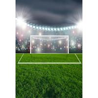 Toile de fond Terrain de football Photographie Prise de vue en extérieur Vert Stade Terrain de football Personnes Une seule personne Garçon Soirée à thème Sur le thème Photo Fond d'écran