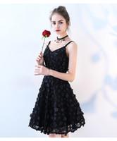 Sexy spalline Homecoming Abiti fiori del merletto Little Black Dress 2020 da cocktail Prom Dresses brevi abiti del partito Toga di laurea