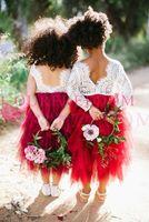 2019 Mignon Dentelle Fleur Filles Robes Tiered Jupes Rouge Foncé Thé Longueur Dentelle Première Communion Robes Filles Pageant Robe Pour Mariage De Pays