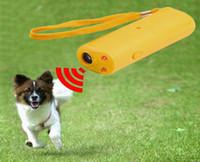 50 pcs Fornecimento de Animais de Estimação Pet Dog Repeller Anti Latido Parar Bark Training Device Trainer LEVOU Ultra-sônica Caso Quente