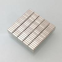 venta caliente 100pcs Super Strong Pequeño bloque Neodyminum imanes 4x4x1mm raros liberan Tierra imán de neodimio arte del arte Nevera