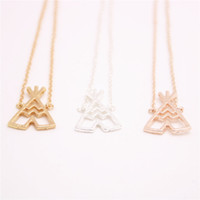 Colliers de pendentifs de tentes Fashion Très beaux colliers de pendentifs de tentes géométriques pour femmes Un collier de chaumières d'époque