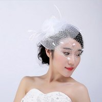 Accesorios de novia blanco de la cara del velo de novia baratos sombreros de época con tul pluma Pequeño sombrero lindo para las novias gorro nuevo de la manera