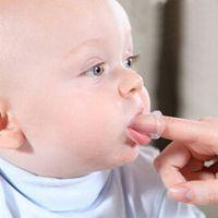 Infantile nouveau-né bébé doigt brosse à dents enfants sécurité silicone anneau de dentition pour bébé avec boîte bébé doux outil de nettoyage des dents livraison gratuite 2018 vente chaude