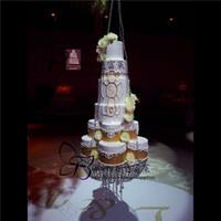 Rilievo di cristallo lampadario basamento della torta di lusso Hanging Torta Rack Torta nuziale stativo