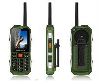 Walkie Talkie Cellulare! Power Bank Cell Phone! FM! 2400mAh Grande batteria! Pulsante S! Grande torcia Grande pulsante Bar Telefono Doppia SIM a basso costo