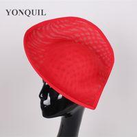 2017新しいデザイン赤の魅力的な帽子の模倣Sinamay 30cmの大きなベース帽子ハートのハート形