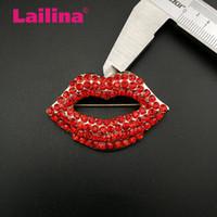 1 adet / grup Sıcak Satış Kristal Rhinestone Kırmızı Dudaklar Broş Lady Için Özel DIY Moda Broş Pins