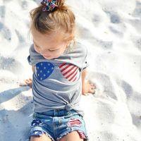 Moda Temmuz Dördüncü Bebek Giysileri Kız Çocuk Giyim Gözlük T-Shirt Denim şort Set 2 adet Kıyafetler Yürüyor Çocuk Giyim Seti A9575