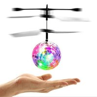 Rc لعبة الكريستال تحلق الكرة التعريفي الطائرات النسخة التعريفي لعب ماجيك led هليكوبتر تحلق الكرة للأطفال هدية عيد