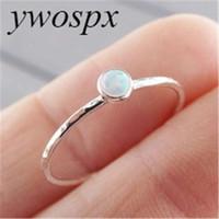 Ywospx elegante 3mm ronde opaal steen bezel setting enkele steen dunne sierlijke schattige meisjes vrouwen ring zilverkleur 6 7 8 9 10 y-30