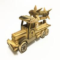 Modello di auto giocattolo in legno per bambini