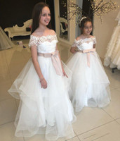 Lovely Lace Cap Sleeves Flower Girl Dresses For Wedding Tull...