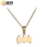 Personalizado Pequeno Bat Gargantilha Colar de aço inoxidável Batman Pingente Colares para As Mulheres homens Animal Bonito Moda Jóias