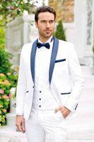 18c7c05b0 El último diseño un botón novio blanco esmoquin chal solapa padrinos de  boda mejor hombre trajes