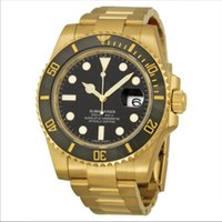 Gold Stainless steel Bracelet wth Luxury mens sweeping watch...