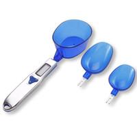 새로운 스타일 500g / 0.1g 휴대용 LED 전자 저울 측정 숟가락 음식 다이어트 블루 주방 디지털 스케일 도구 크리 에이 티브 선물