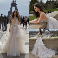 Julie Vino 2019 Backless Wedding Dress V Neck Appliqued Bridal Gowns Custom vestido de novia Sweep Train Castle Свадебные платья Недорогие