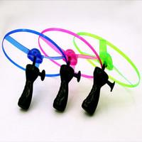 Colorido LED helicóptero de la libélula de plástico que brilla intensamente helicóptero de bambú helicóptero aviones niños volando juguete intermitente regalos para niños
