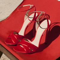 Lo nuevo conciso 8 CM y 10 CM sandalias de tacón delgado mujeres hebilla correa de punta abierta Stiletto club nocturno vestido de fiesta zapatos negro rojo