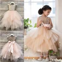 Şampanya Balo Çiçek Kız Elbise Düğünler için Payetli Toddler Pageant Törenlerinde Tül Çay Boyu Katmanlı Çocuklar Balo Elbise
