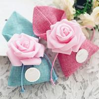 Mor / Pembe / Kırmızı / Mavi Düğün Iyilik Gül Çiçek Şeker Kutuları Hediyeler Kutusu Şeker Çanta Düğün Masa Dekor