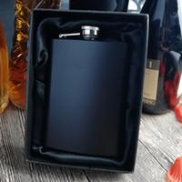 8 oz paslanmaz çelik renkli hip şişeler / Çoklu renkler, kişiselleştirilmiş logo kazınmış Ücretsiz Siyah hediye kutusu ambalaj