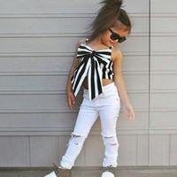 Niños pequeños niños bebé tops grandes arco rayas tops rasgado pantalones trajes ropa 2pcs conjunto verano sin mangas ropa de algodón