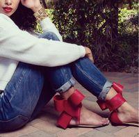 2018 뜨거운 판매 대형 활 큰 꽃 끈 클립 발가락 플랫 힐 발가락 샌들 발목 스트랩 패션 클래식 활주로 streetwear 신발