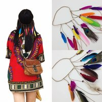 Nuevo tocado de plumas Hippy Festival de diadema de plumas indias Hairband trenzado Faux Leather Hairband Bohemian Peacock Feather Accesorio para el cabello
