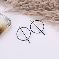 2021 Металлическая болтовня Большой круг Геометрический минималистский стиль ночной клуб эмписитические черные серебряные серьги из серебра для женщин