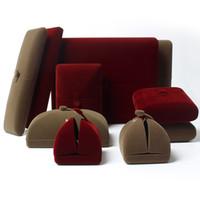 Kırmızı Kahve Flanel Lüks Mücevher Kutuları Ekran Hediye Kutuları Takı Yüzük Kolye Kutusu ve Ambalaj için