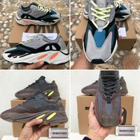 With Box 2019 Kanye West Runner 700 Wave Runner Mauve EE9614...