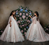 2018 Princess Pink Tulle A Line Flower Vestiti per ragazza con perline di pizzo Appliques Mezze maniche Princess Pageant Party Gowns