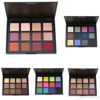 No Label Beauty Trousses de maquillage pour les yeux cosmétiques 12 couleurs Palette d'ombres à paupières pigmentée Palettes d'ombres à paupières Smoky mates et brillantes Palette de maquillage