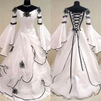 Ренессанс старинные черно-белые средневековые свадебные платья на заказ кельтские свадебные платья с Fit и Flare рукава цветы