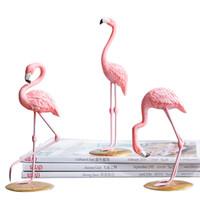 Venta al por mayor 1 pieza de resina rosa flamenco figura para la decoración del hogar de la muchacha Animal ornamento 3 Pattens envío gratis