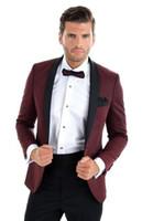 Slim Fit Burgundy Men Suit 2018 Fashion One Button Hombre Trajes Novio Tuxedos Padrinos de boda El mejor hombre Trajes de boda Trajes de novio (chaqueta + pantalones)