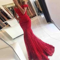 Red Mermaid 2018 Prom Dresses Off The Shoulder Beaded Applique in pizzo Backless Long PartyProm Gown Abiti da sera formale Dubai Robe De Soire