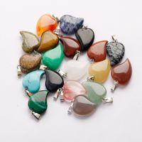 Hot Lovely Crooked Love Heart Shaped Stone Pendants Mixed Crystal Quartz Healing Charms Pendant för smycken Göra halsband Örhängen Gratis