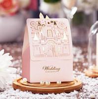2018 Nouveaux 50pcs Coupes de mariage Faveurs de mariage Mariée et marié Boîtes de bonbons Faveurs de mariage Rose Château de fleurs Cadeau Coffret Décoration de mariage
