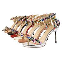 Style Européen et Américain Chaussures Sexy Femmes Talons Sandales Femme Rivets Colorés Découpes Été 7 Couleurs Sandales D'été