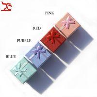 Grote Verkoop 1000 stks Gemengde Kleur Papier Geschenkdoos 4 * 4 * 3 cm Square met Bow Sieraden Oorbellen Ring Verpakking Opslag Gift Feestboxen Case
